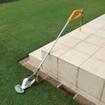 リョービのポールバリカン PAB-1610。デッキと芝生。