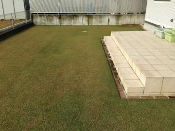 2010年の新築時から芝生だったエリア、約68 m2。