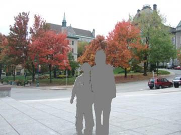 シャーブルック町の紅葉を背景に家族で撮影。