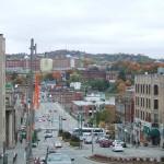 シャーブルックの町。歴史のある街並みと紅葉が美しい。