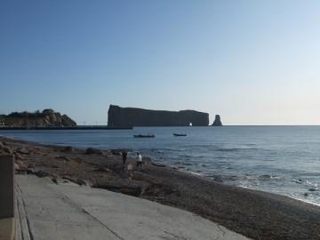 早朝のペルセ岩。
