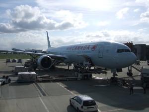 空港で撮影したエアカナダの飛行機。