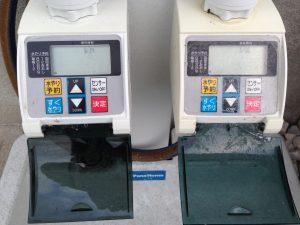 2つ並んだタカギのかんたん水やりタイマー。散水設定「なし」。