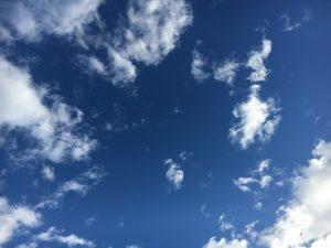 台風一過のあとの青空。